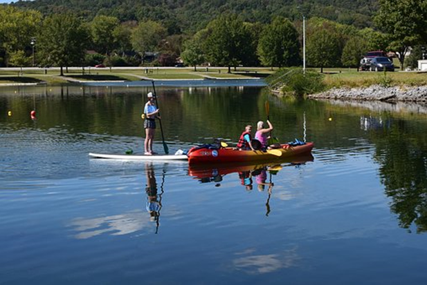 The Many Health Benefits of Kayaking and Paddle Boarding
